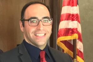 Vahid Khorsand (EMBA '13) wasrecently appointed by Mayor EricGarcetti to a five year term on the LosAngeles City Planning Commission.Vahid is an equities analyst with BWSFinancial providing analysis on globaleconomic trends and impacts on equitymarkets.