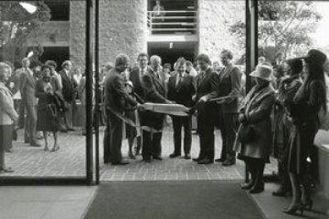 Ribbon cutting ceremony of Pepperdine Plaza