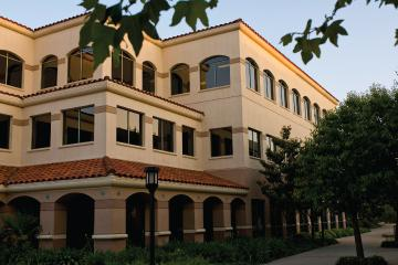 Westlake Village campus is opened. Otis W. Baskin, PhD is named dean of the business school (1995 – 2001).